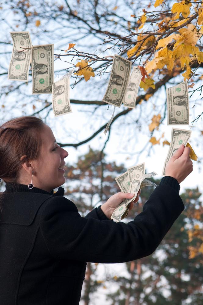 金運アップの季節到来!風水を意識した色やモノで秋は金運が高まる部屋づくりを!